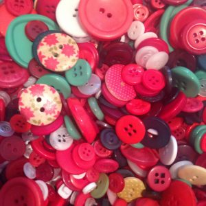 100 grams Buttons, Assorted, Red and Green 2