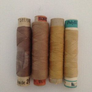 4 Reels Vintage Threads Sewing Assorted Reels Gold Mix Haberdashery